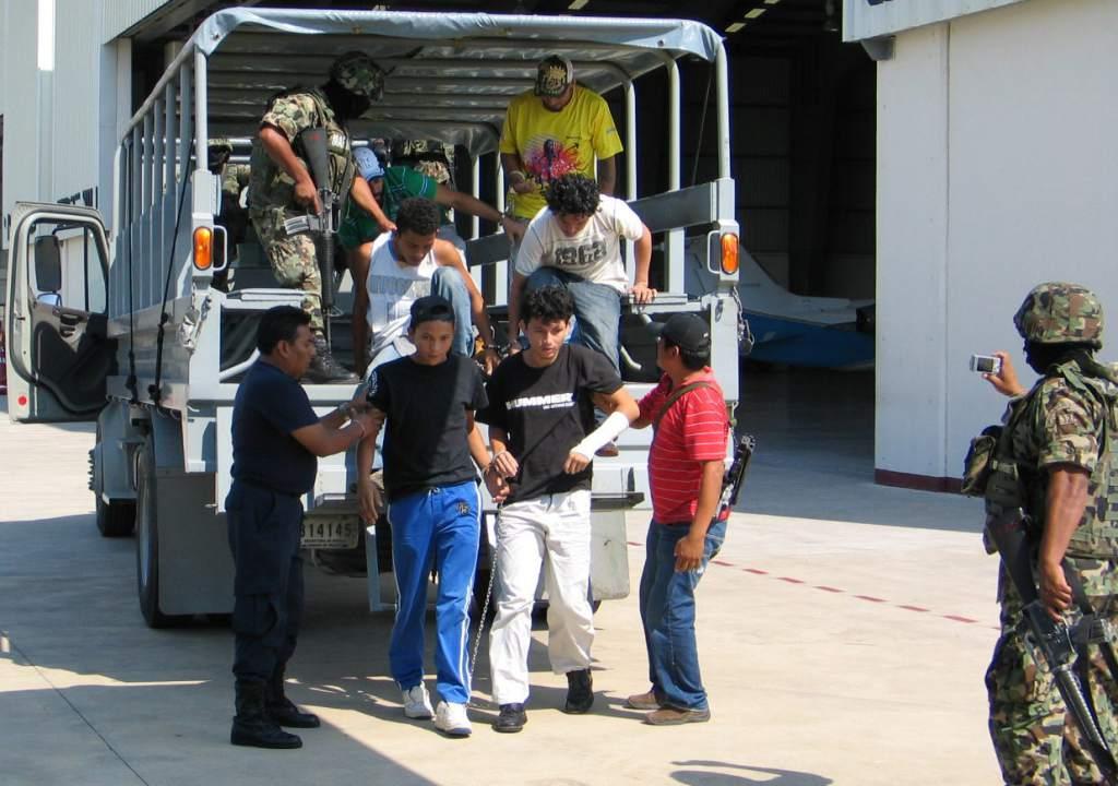 Autoridades federales rescatan 41 migrantes centroamericanos en Tabasco