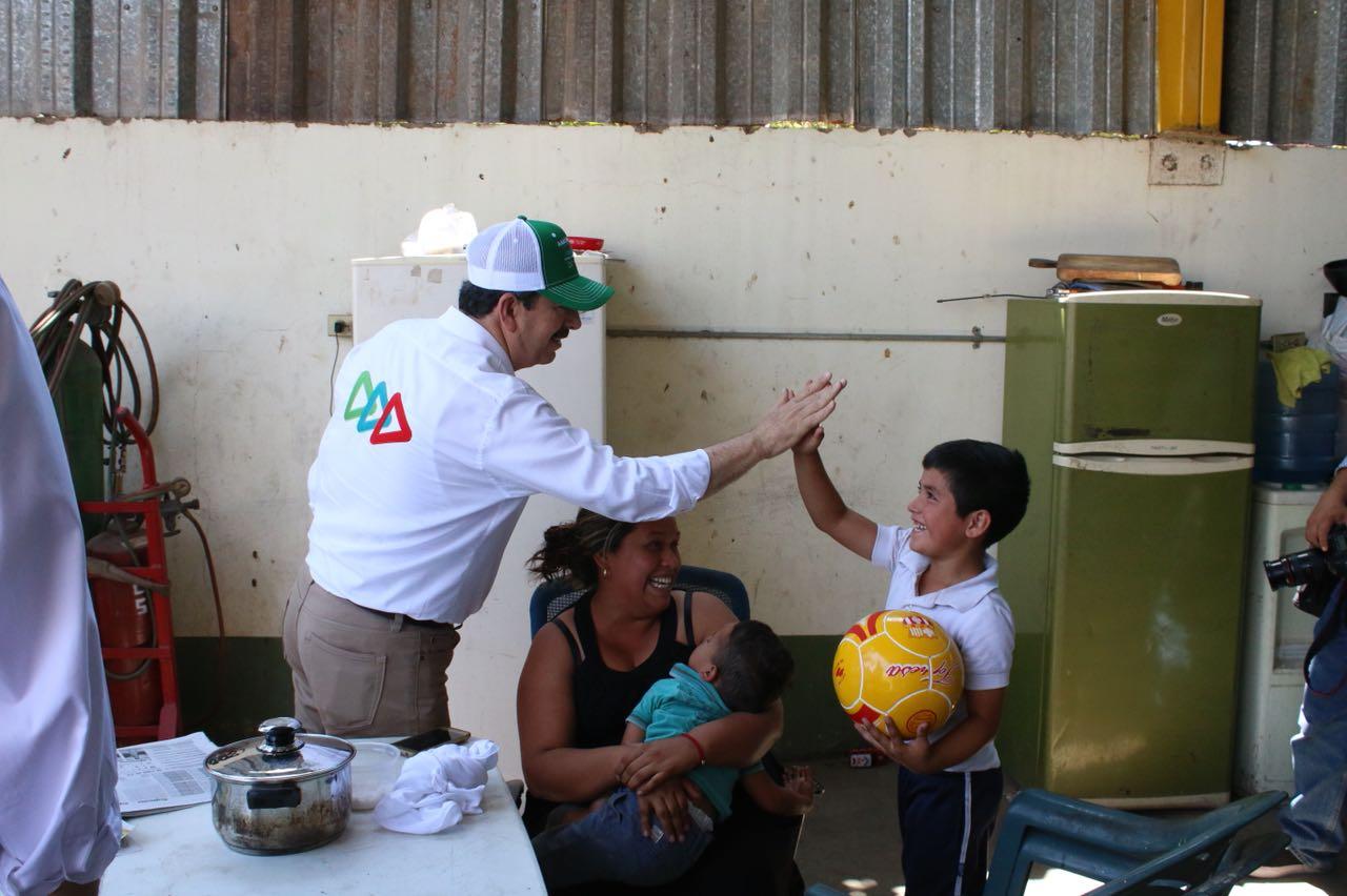 Generar empleos para estudiantes, otra propuesta de Aarón Rivas
