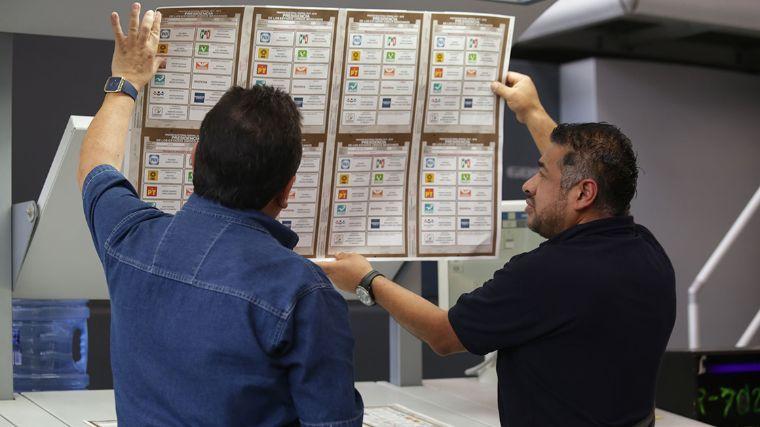 Acuerda INE continuar con impresión de boletas presidenciales con el nombre de Zavala