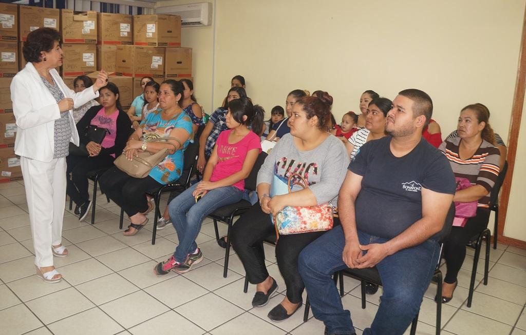 IMSS Sinaloa capacita a mujeres en hábitos alimenticios durante el embarazo y la lactancia