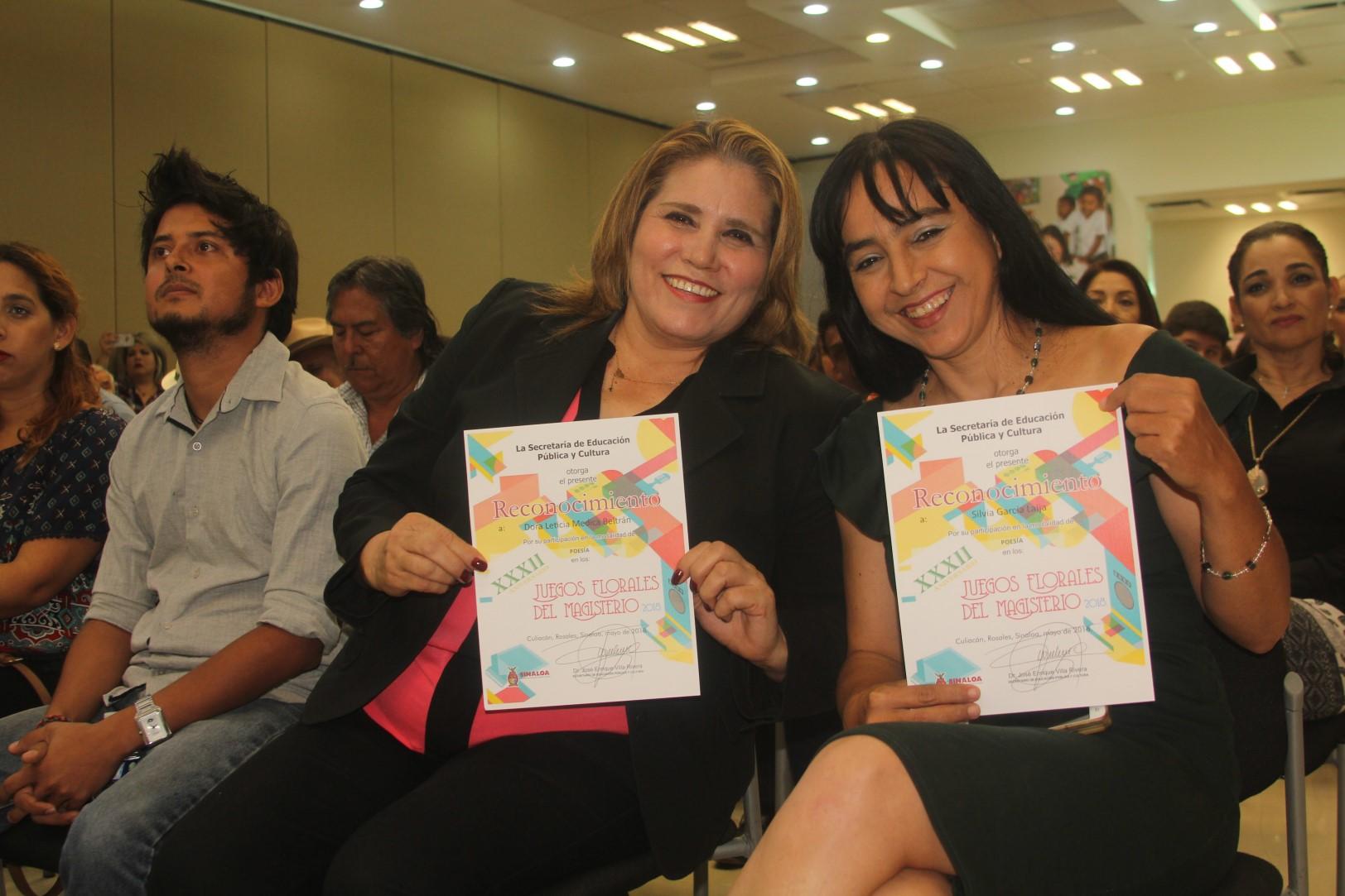 Premian a ganadores de los XXXII Juegos Florales del Magisterio