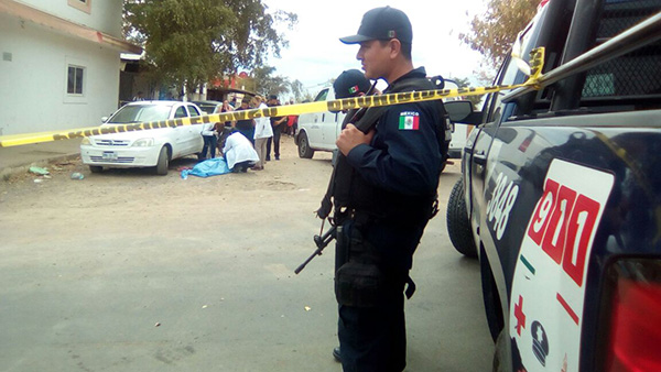 Asesinan a un joven en la Adolfo López Mateos