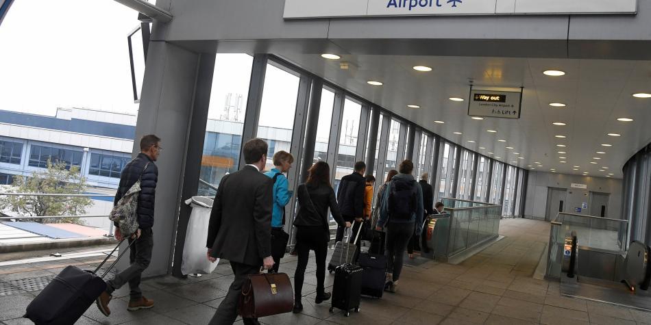 Cierran aeropuerto de Londres por hallazgo de bomba de II Guerra Mundial