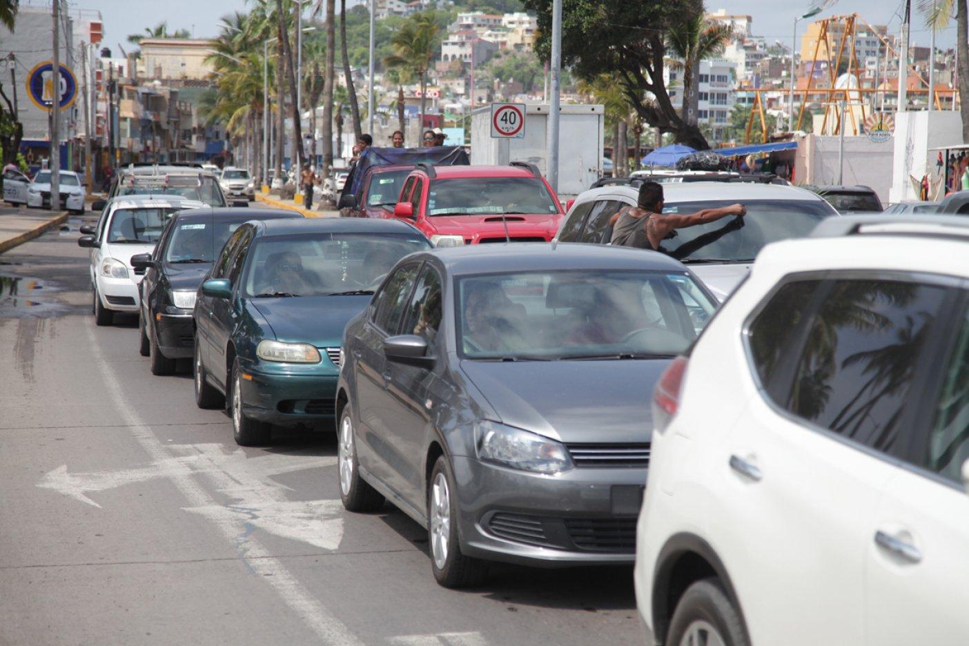 Automovilistas están regresando a registrarse en Sinaloa: Quirino