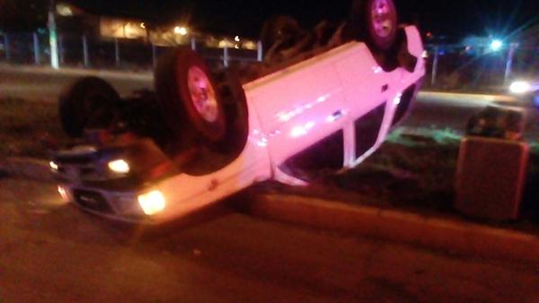 Resultan dos personas lesionadas en accidente