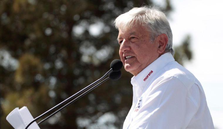 AMLO se compromete a acabar con la corrupción y la impunidad