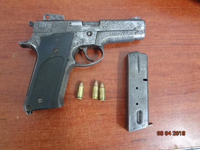 Capturan a dos personas con arma de fuego en Navolato