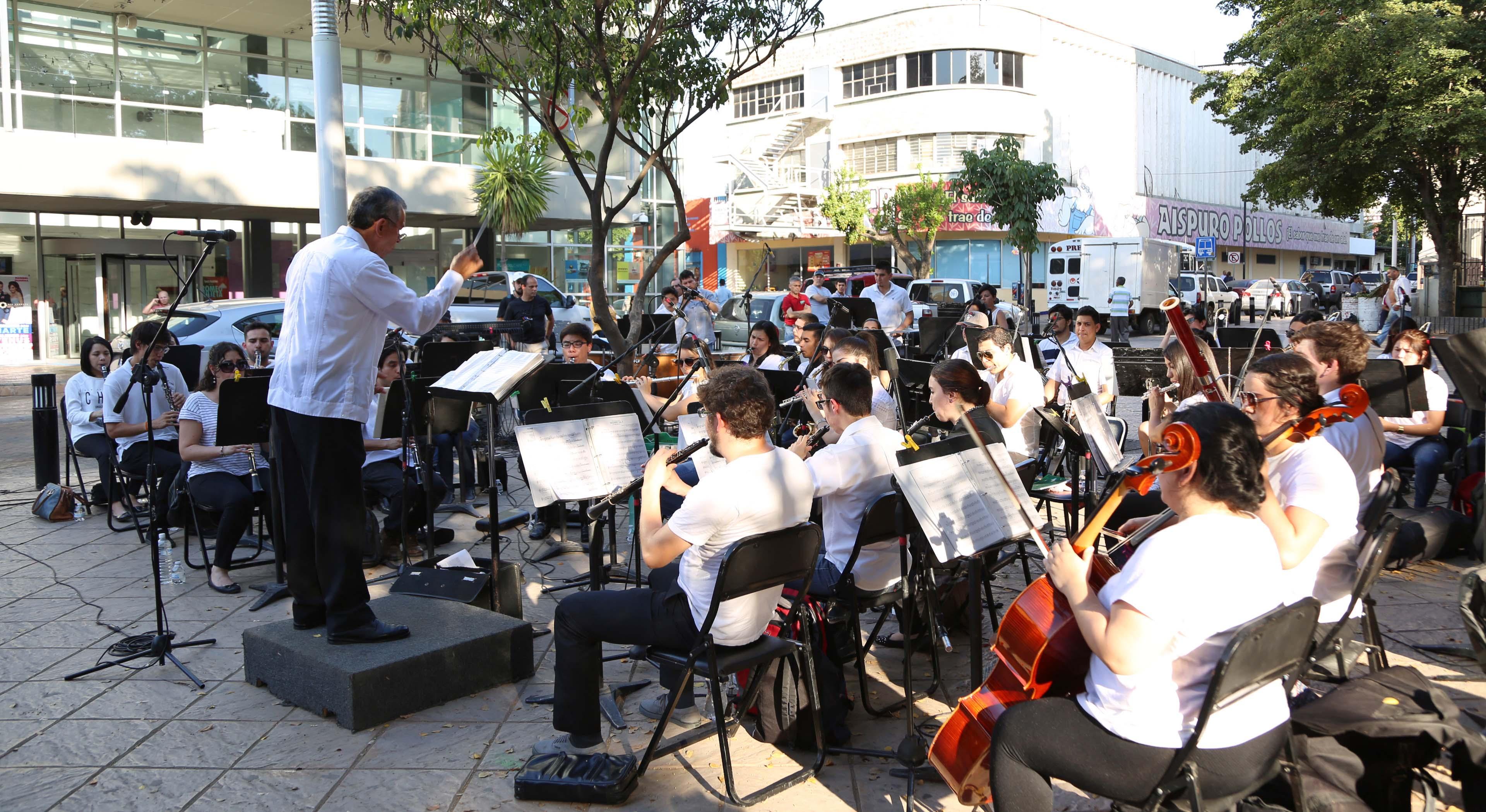 Con música mexicana e infantil, este viernes 13 de abril, La Banda toma la Calle